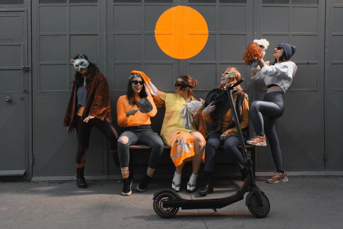 hergele-ama-cok-disiplinli-elektrikli-scooter